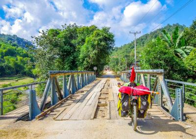D1002 (25)-FrogsOnWheels-Laos