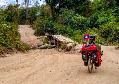 D1048 (193)-FrogsOnWheels-Laos