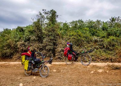 D1048 (236)-FrogsOnWheels-Laos