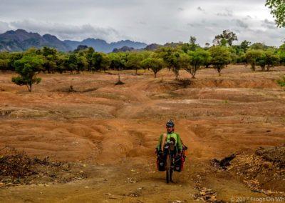 D1049 (48)-FrogsOnWheels-Laos