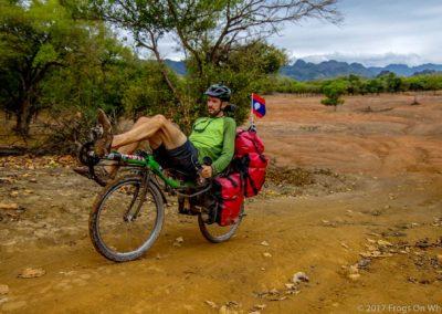 D1049 (50)-FrogsOnWheels-Laos