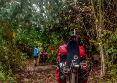 D1049 (69)-FrogsOnWheels-Laos