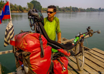 D1058 (25)-FrogsOnWheels-Laos